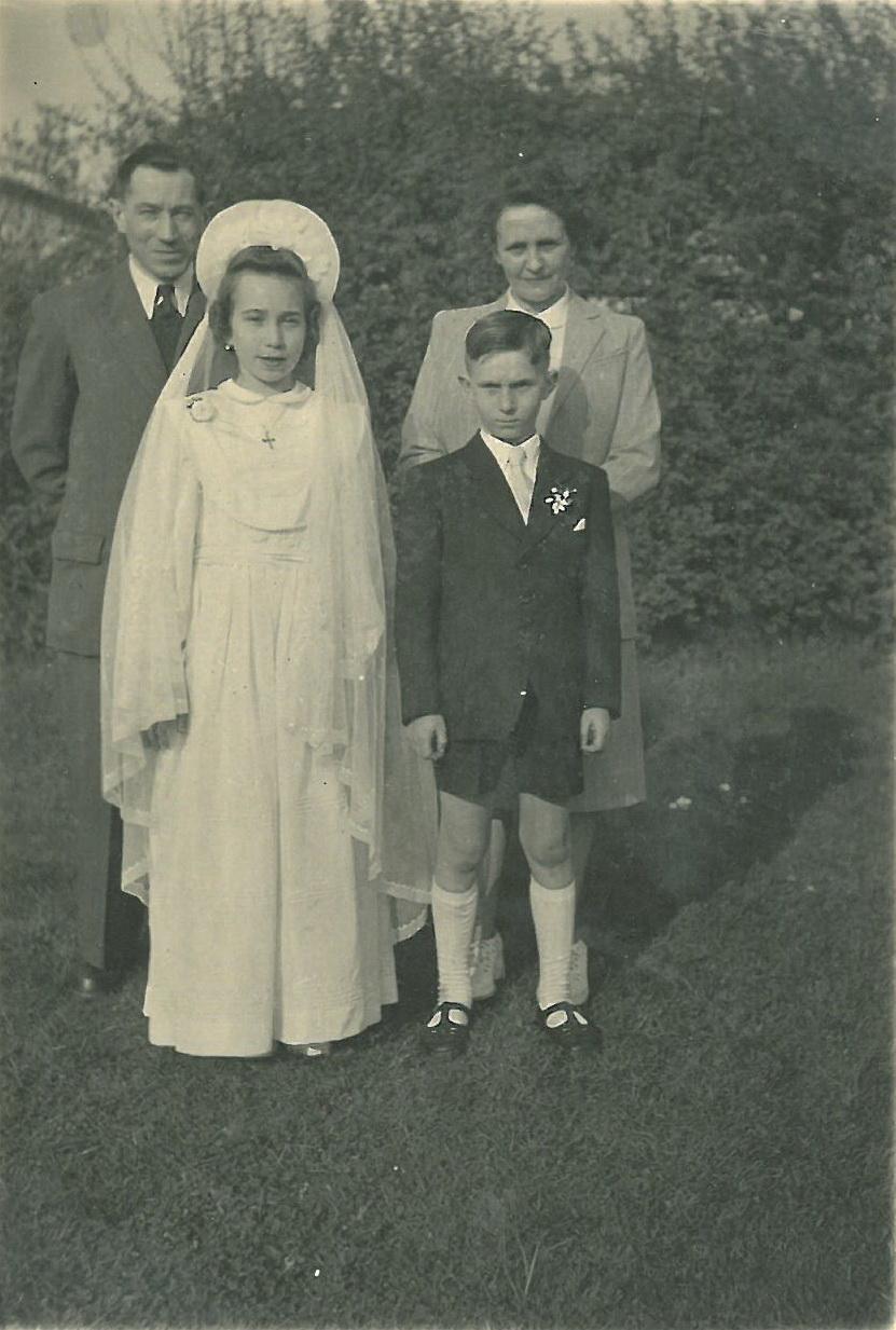 Kinderkommunion von Monique u Siegfried 1951