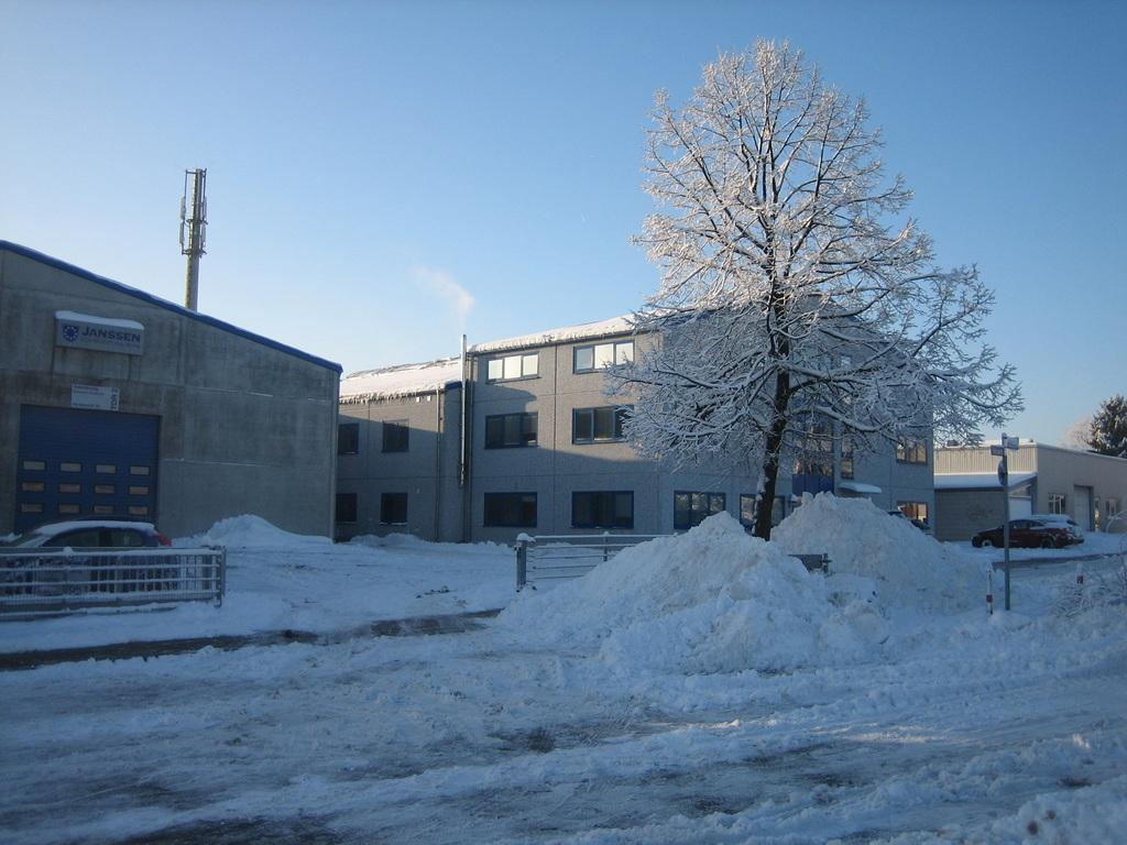 Schnee am Firmensitz 2010