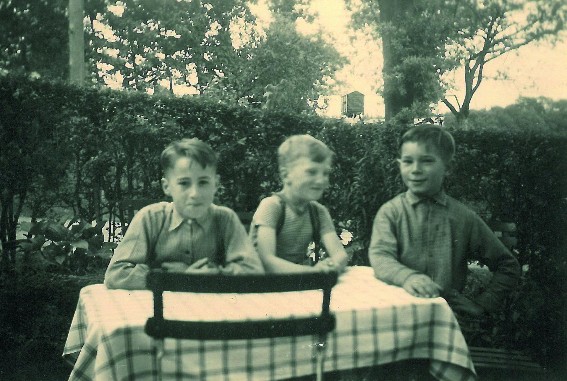 Mit Freddy Pohlen und Bernd Grassmann im Gartencafe 1956