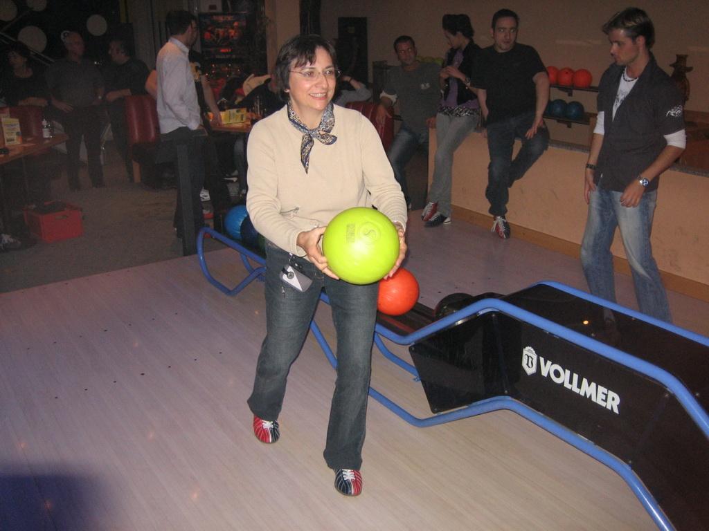 Elka beim Bowling Abend