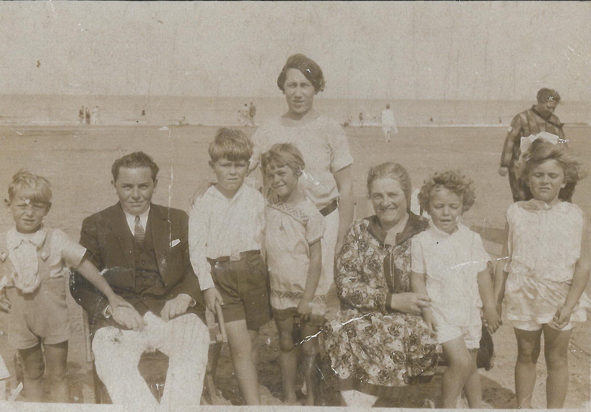Mit Knauf an der Nordsee 1932