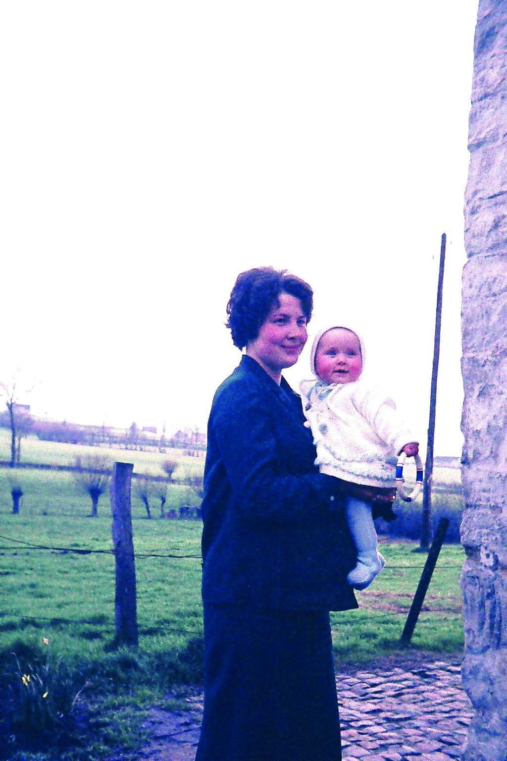 Josée mit Oliver 1971