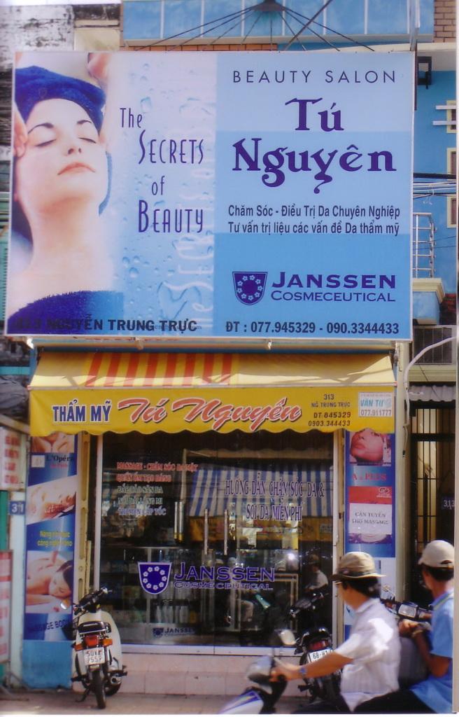 Hanoi 2006