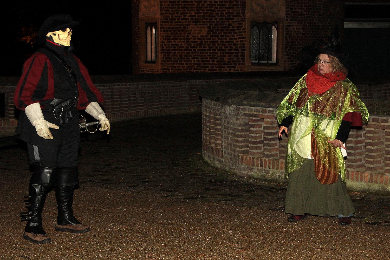 Der Geizvoigt versucht die Kinder einzuschüchtern - aber es gibt ja noch Brunella.