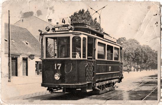 Lindner-Wagen Nr. 17 an der Endstation Plantagenstraße in Babelsberg