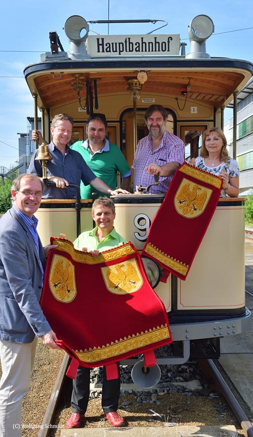 Übergabe Sitzbezüge Lindnerwagen