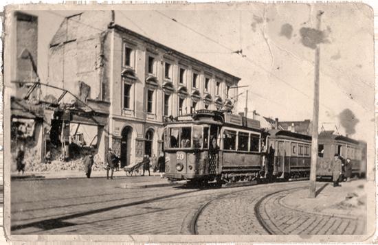 Triebwagen 29 am Platz der Einheit um 1949 | Foto: Sammlung Leichsenring