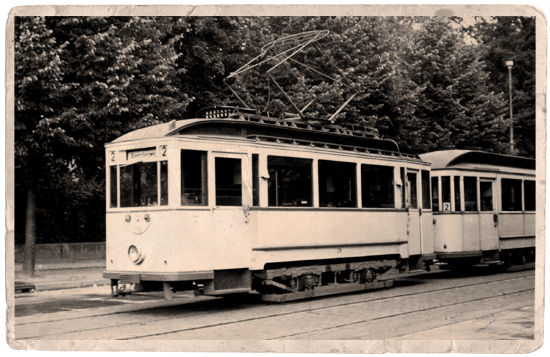 Umgebauter Lindner-Wagen an der Glienicker Brücke | Foto: M. Preiß