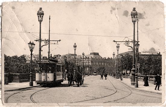 Beschauliche Residenz - die Lange Brücke um 1910