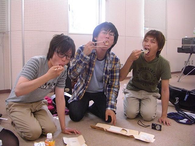 戦利品の焼き鯖寿司!7本9100円のところを1000円でGET!おいし~w