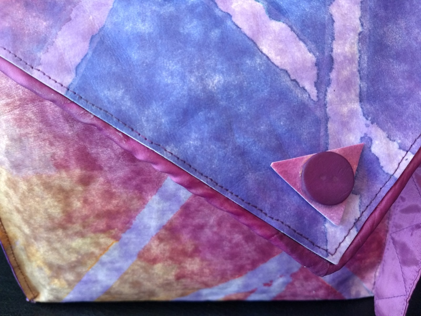 detail tas van oorspronkelijk witte snappap   Carla van Rossen