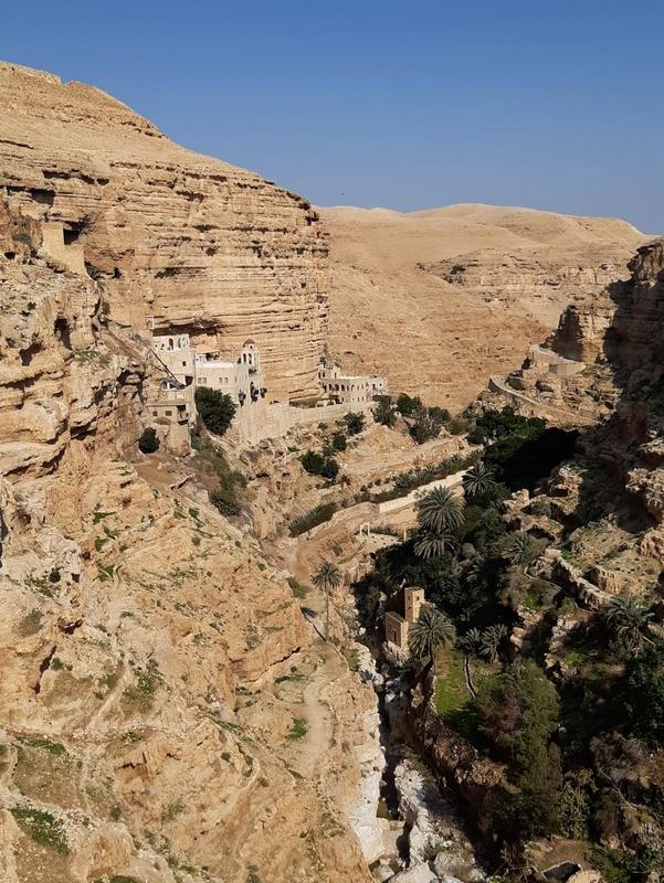 Le Monastère Saint-Georges dans la vallée Wadi Qelt