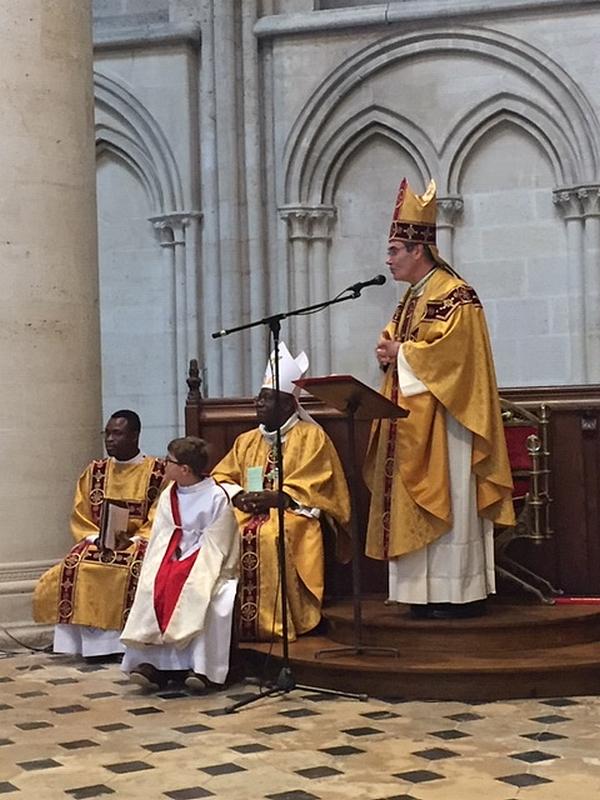 Messe le matin à la cathédrale.