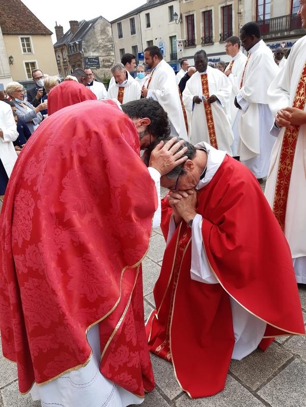 ... et le curé d'Alençon