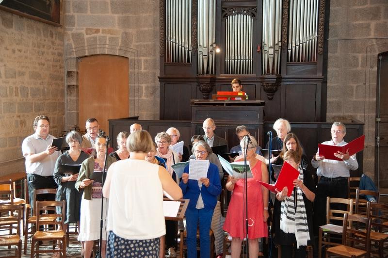 Répétition de la chorale avant la messe