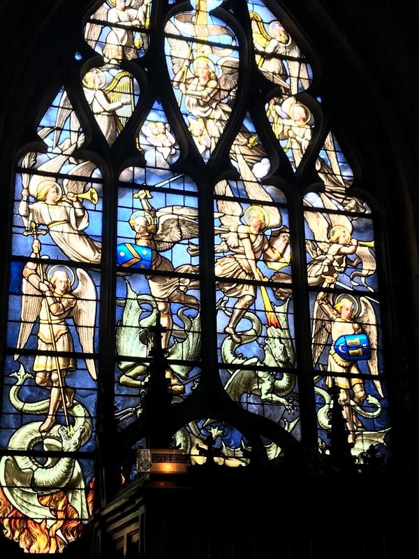Exclusif : le coronavirus vaincu par saint Michel et ses anges