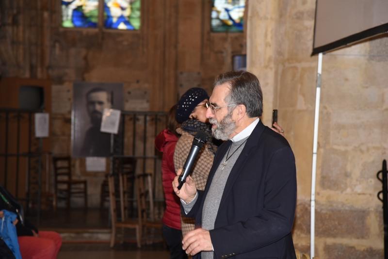 ... par l'enseignement du P. Hénault-Morel, nouveau recteur du sanctuaire