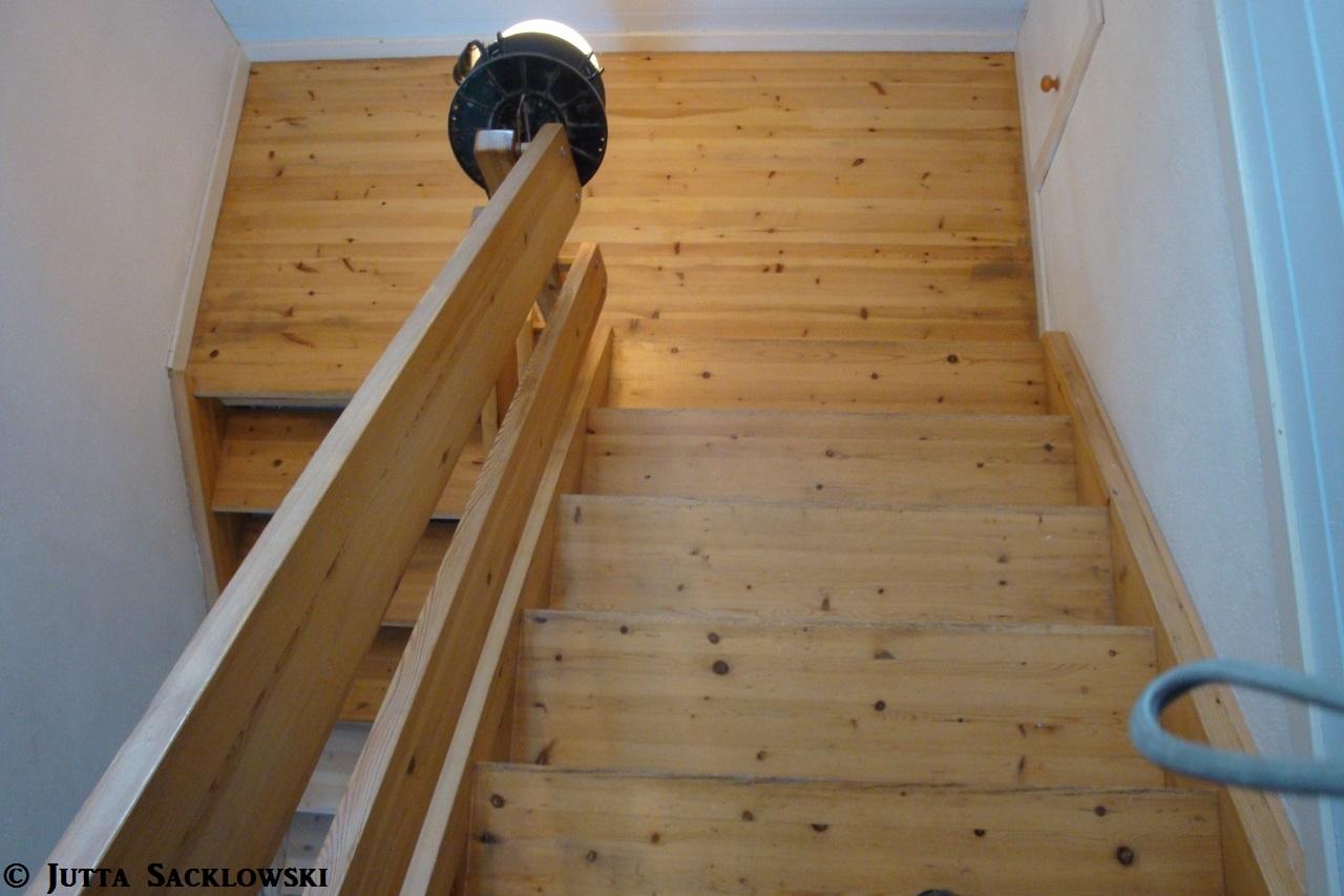 nedslitt trapp fra syttiårene