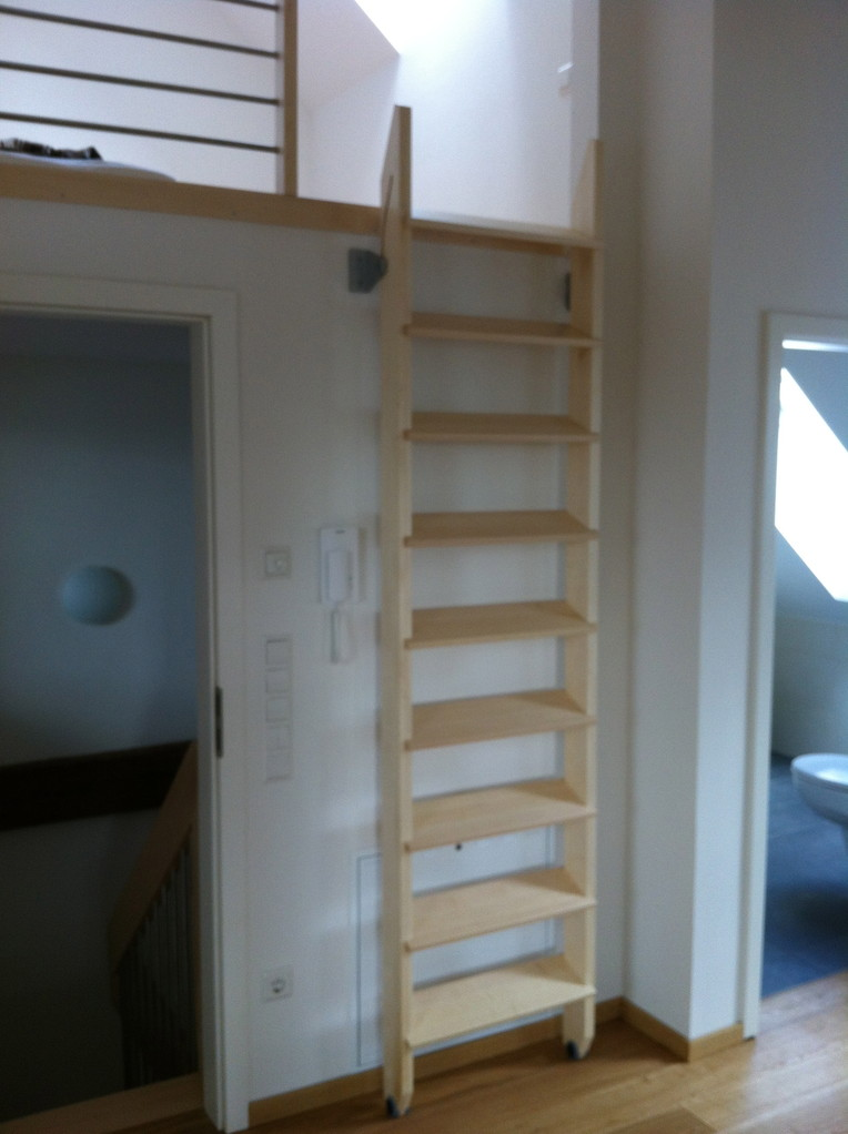 TreppKlapp - die platzsparende Gleittreppe