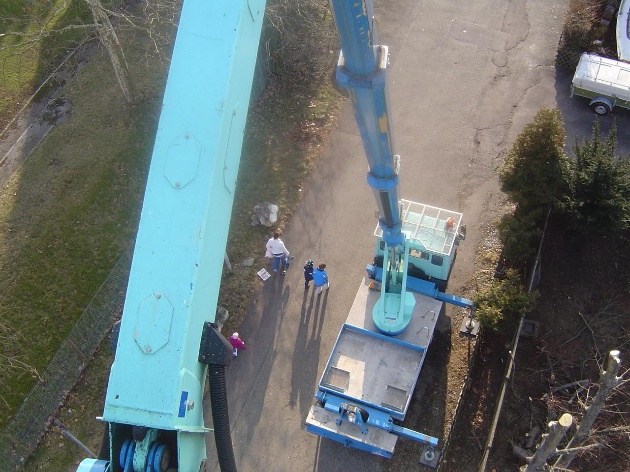 LINDENTHAL Umweltdienstleistungen: Einsatz einer LKW-Arbeitsbühne