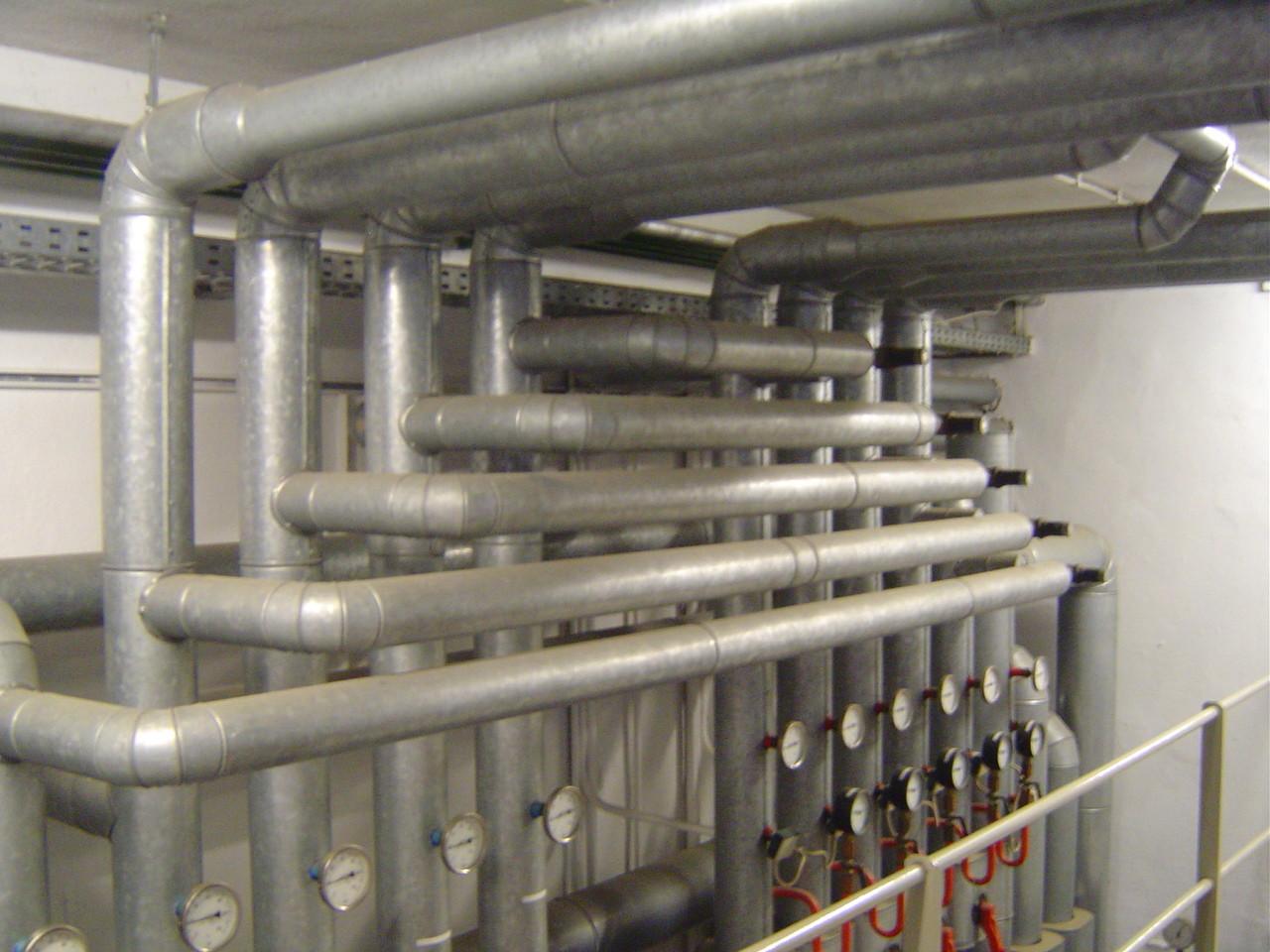 LINDENTHAL Umweltdienstleistungen: KMF - Isolierung (sog. WHO-Fasern) in Heizungsrohren