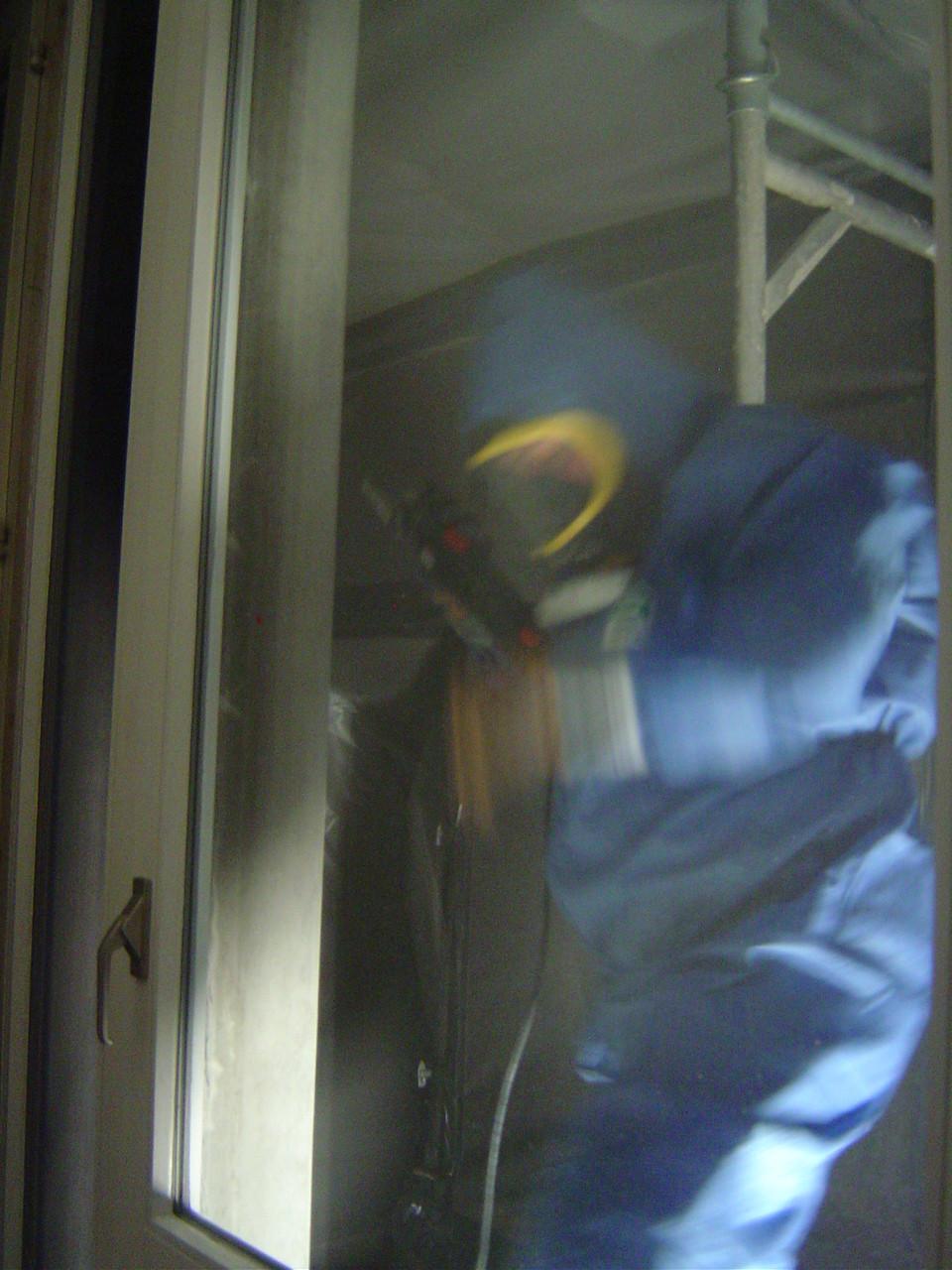 LINDENTHAL Umweltdienstleistungen: Schadstoffsanierung / Entfernung PCB-haltiger Fugen