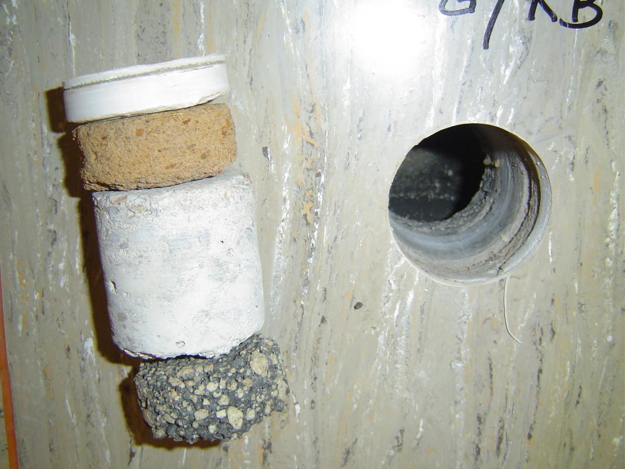 LINDENTHAL Umweltdienstleistungen: Kernbohrung zur Probengewinnung / Profilaufnahme