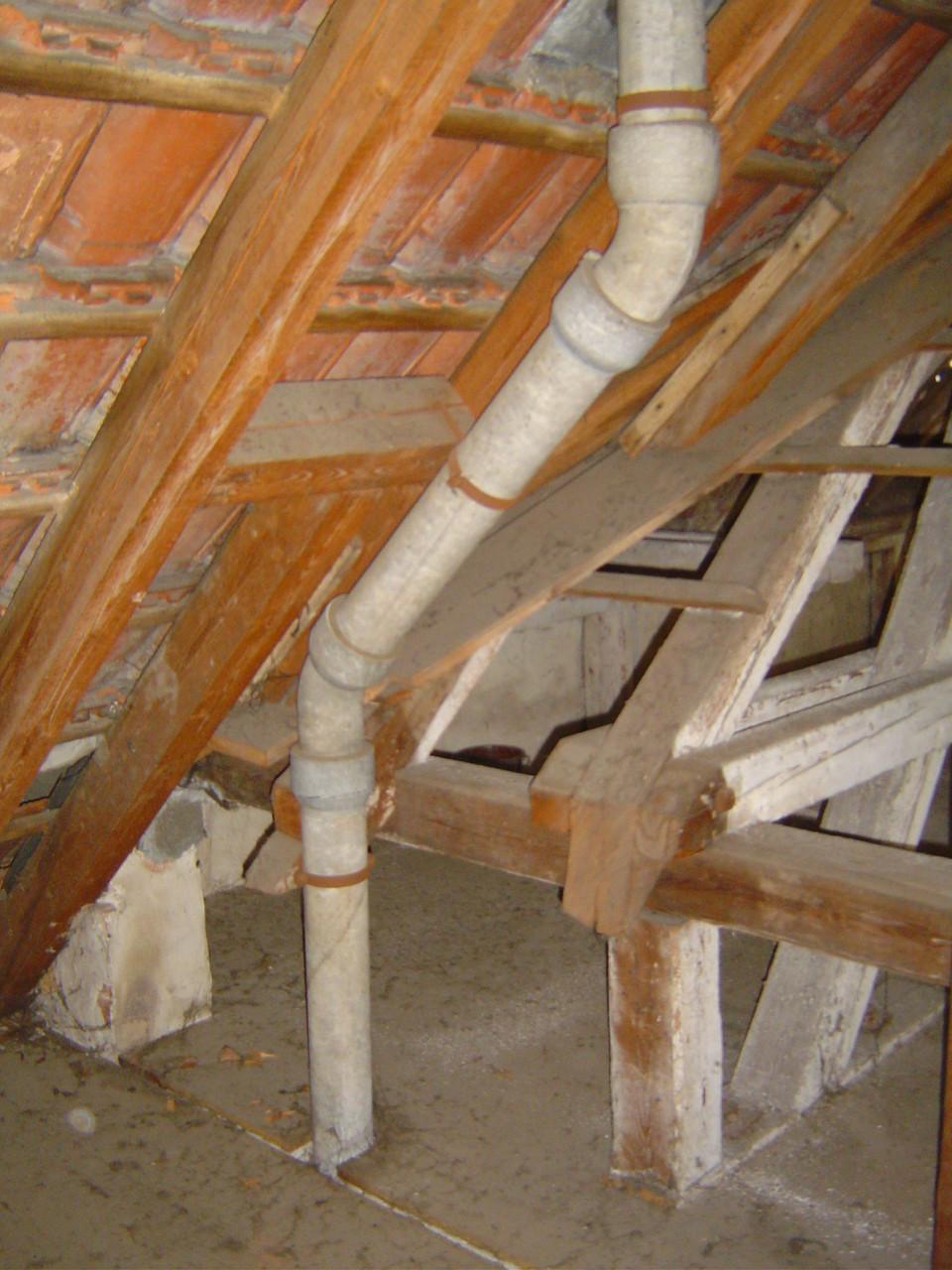 LINDENTHAL Umweltdienstleistungen: asbesthaltige Abwasser-/ Entlüftungsrohre