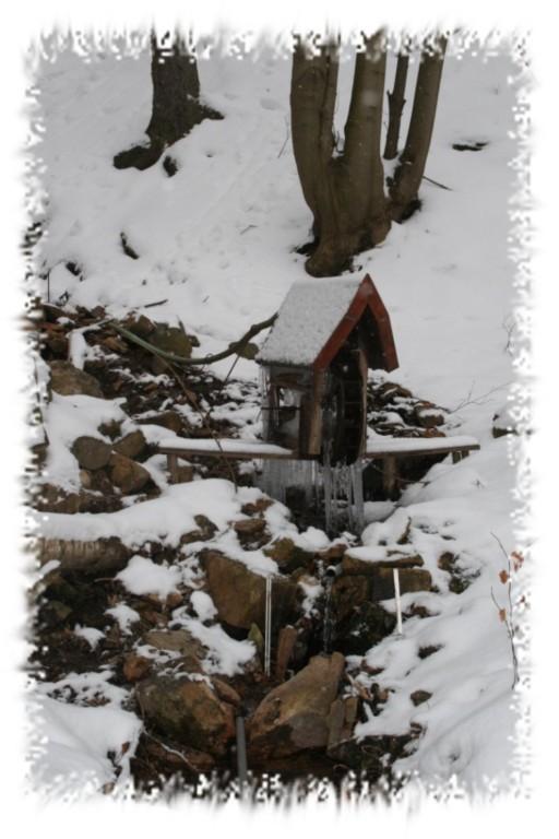 Waldschluchtbächlein mit Wasserrädern...