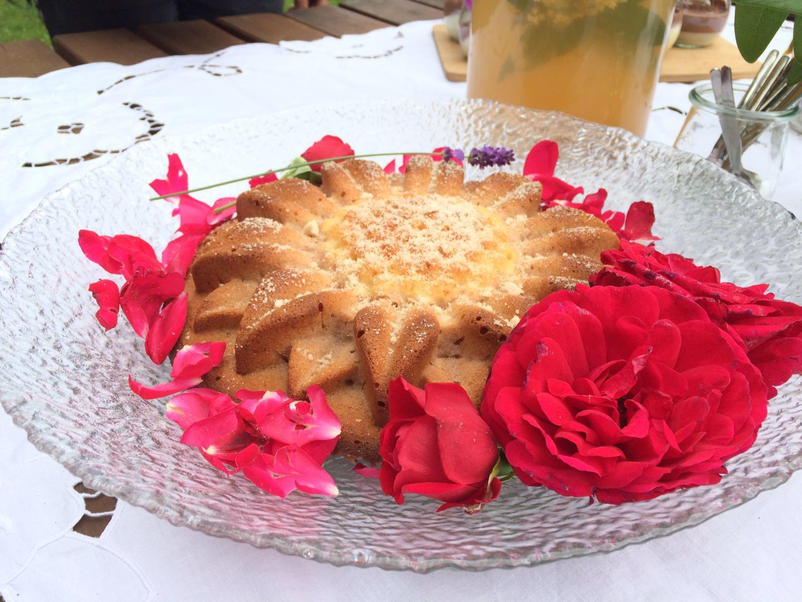 Rosenblütenkuchen