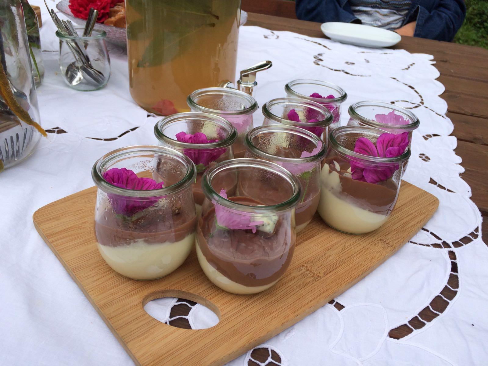 Mädesüßsahnepudding mit Minz-Schoko-Creme
