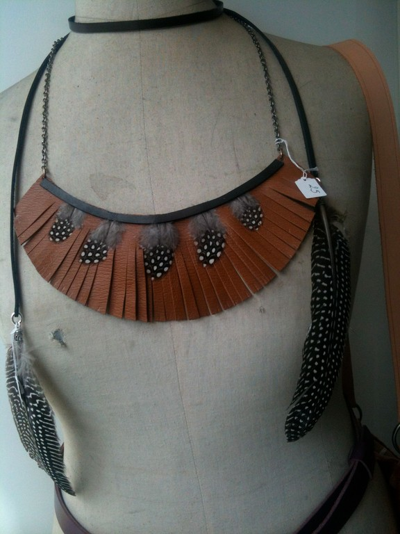 Petit grain collier tribal