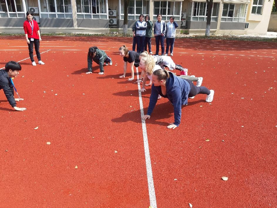 Cours de sport ce matin ... nous avons tous bien ris :)