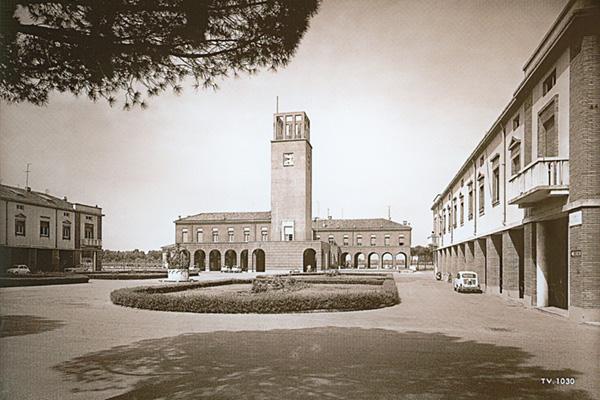 Torviscosa Piazza del Popolo - foto Alessio Buldrin