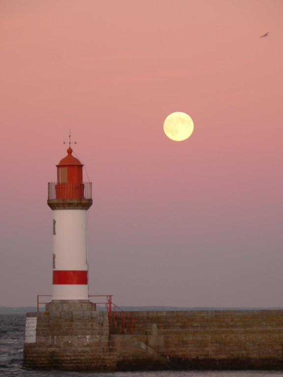 lever de Lune à Port Tudy