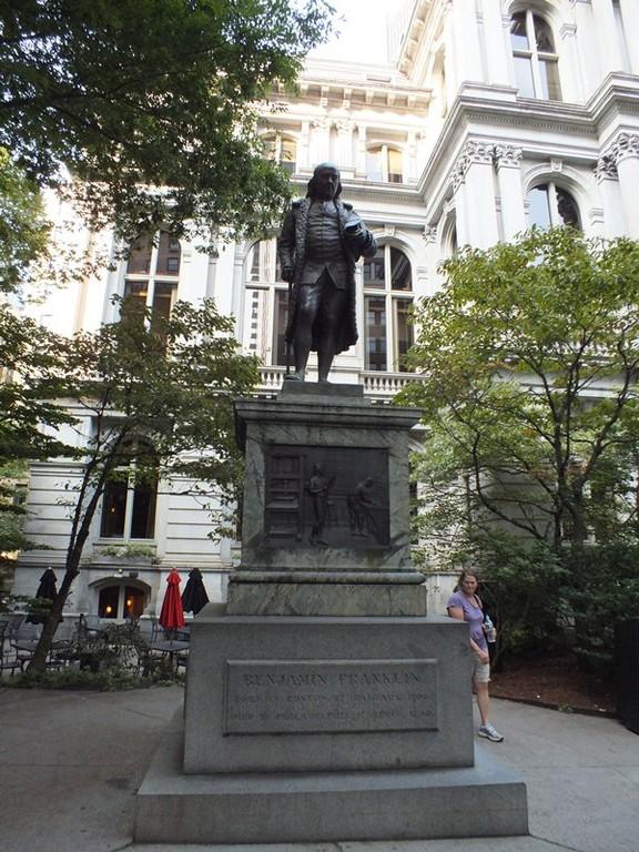 Benjamin Franklin's Statueです。独立宣言の草案者だそうです。