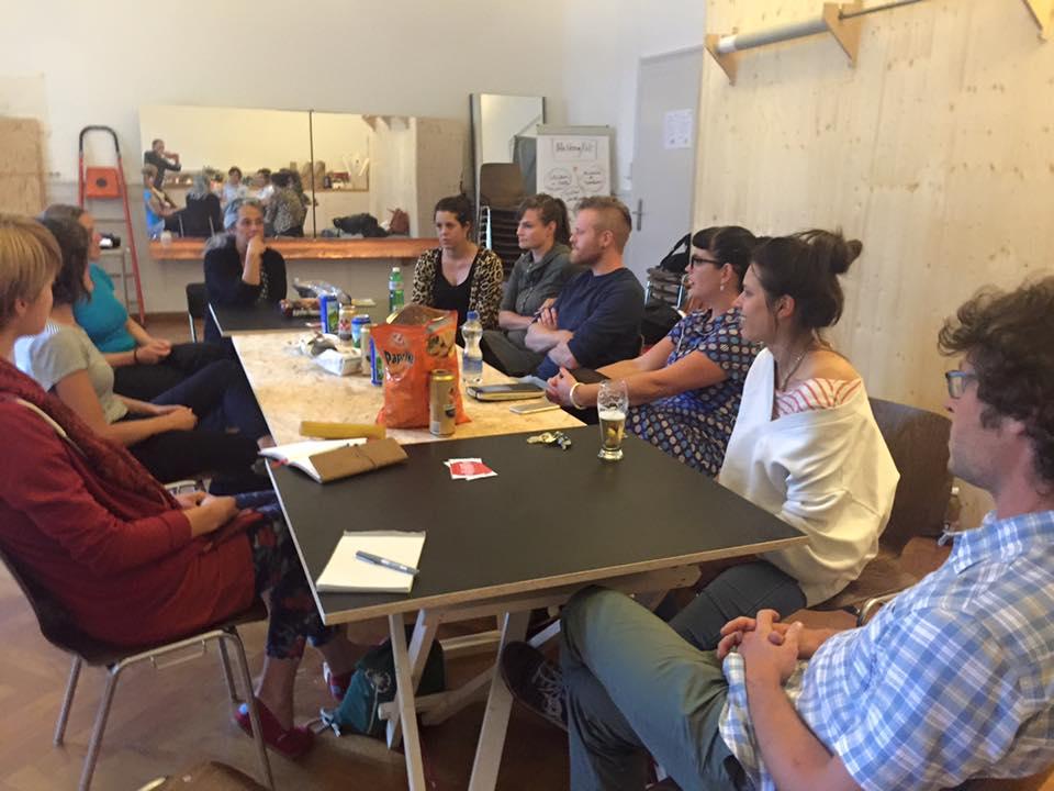 2016: Soziokultur-Stammtisch: Franziska Burkhardt, Geschäftsleiterin PROGR und Pamela Mendez, Musikerin & im Animationsteam der Stube im PROGR, geben uns Einblick in das Zentrum für Kulturproduktion