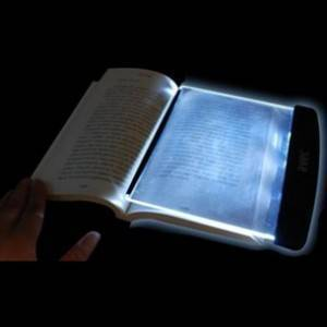 karanlıkta kitap okuma