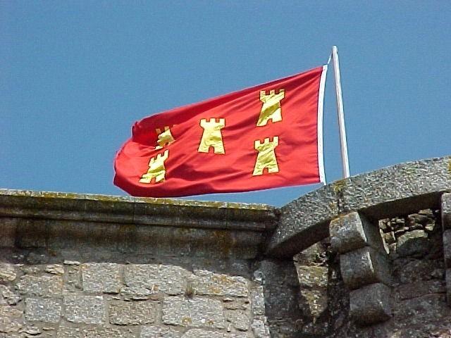 Poitou flag over Tennessus medieval castle
