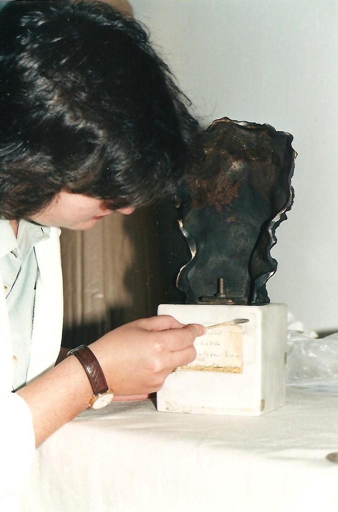 Restauración de Escultura contemporánea. Museo Nacional Centro de Arte Reina Sofía. Proceso de limpieza.