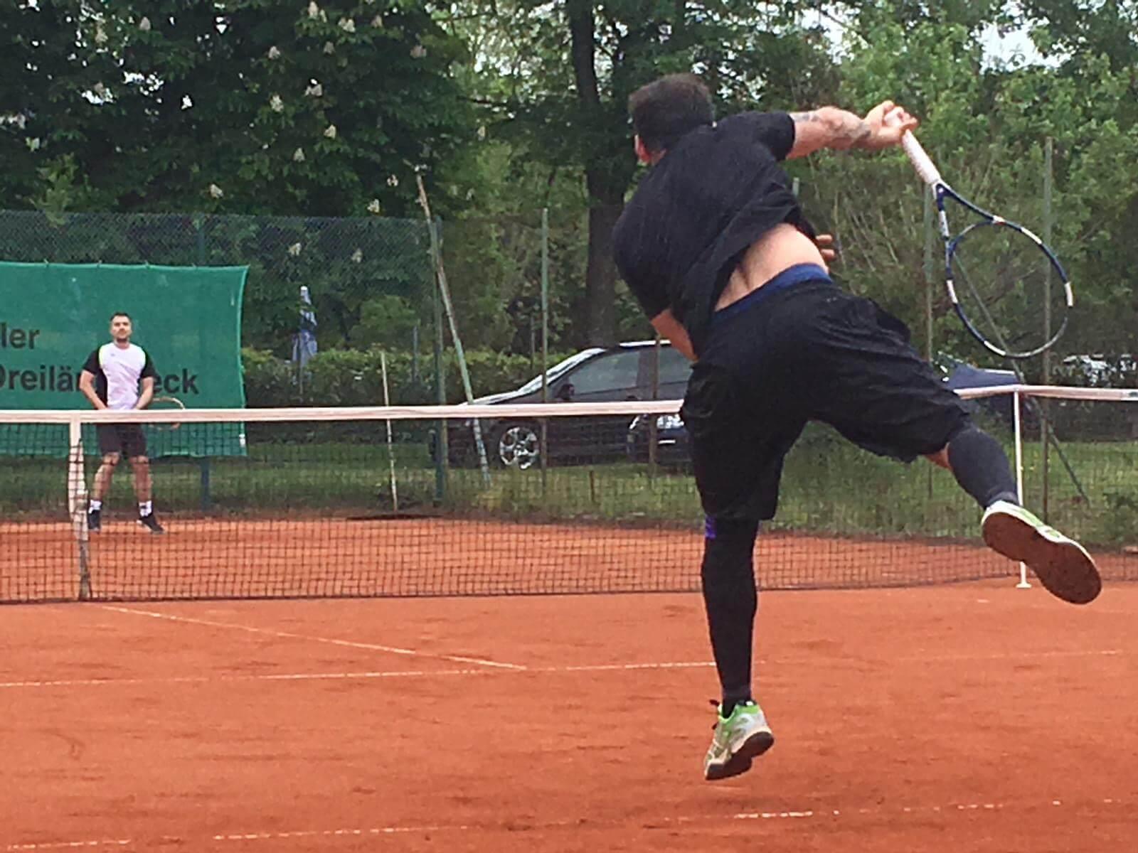 19.5.2019 - Günter Streit (vorne) ganz stark im Einzel ohne Training auf Sand