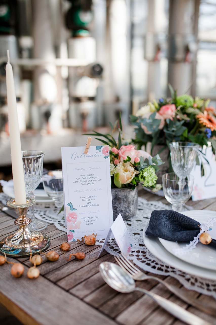 Blumenhaus Gerber, Pocketfold-Einladung, Hochzeitseinladung, Hochzeitspapeterie, Mirjam Wilde, Lisa Wagner, Pastell, mint, apricot, rosé, Hochzeitsset, Papeterie, individuell, Boho, rustikal, Vintage
