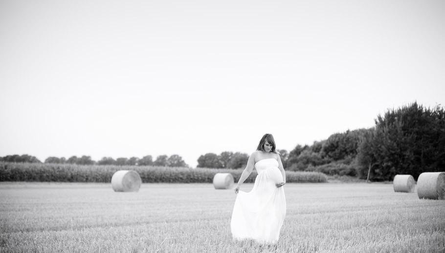 Babybauch,Pregnancy, Schwangerschaft, Fotoshooting, Fotograf Stuhr, Fotograf Bremen, Hochzeitsfotograf, Sabine Lange, Biene-Photoart