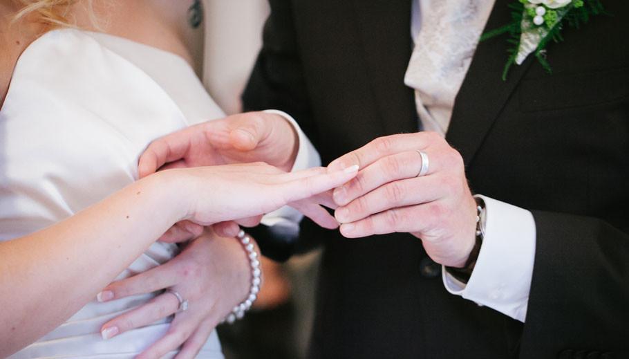 Hochzeit Bremen, Hochzeit Stuhr, Fotograf Bremen, Fotograf Oldenburg, Fotograf Norderney, Hochzeit Meierei Bremen, Braut, Bräutigam, Hochzeitspaar, Sabine Lange, BienePhotoart