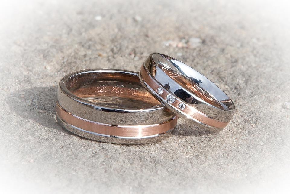 Ringe aussuchen und gravieren lassen!