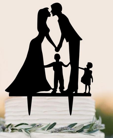 Brautpaar mit 2 Kindern