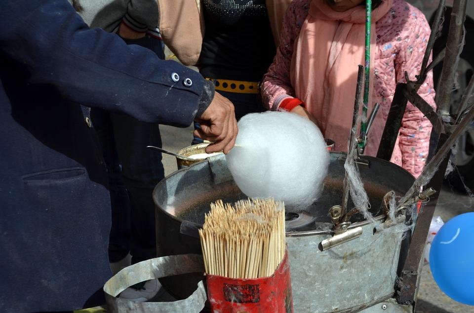 Zuckerwatte für die Agape frisch gemacht