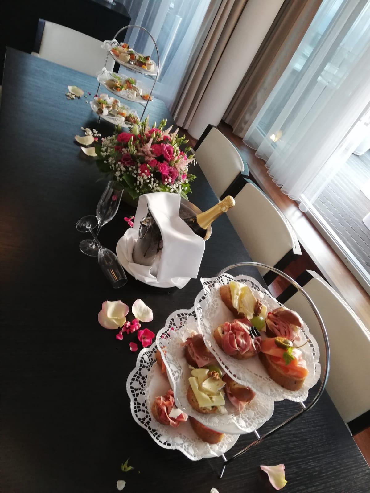 Buffet, Agape - © Holiday Inn & Congress Center Villach