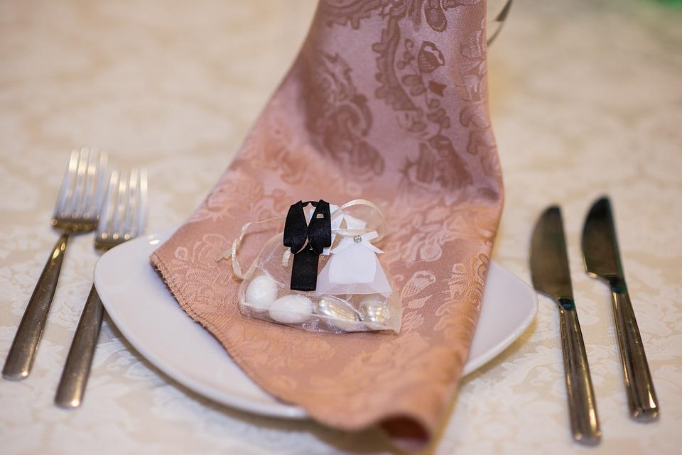 Brautpaar-Hochzeitsmandeln