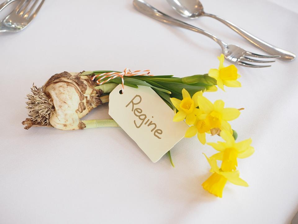 Gastgeschenk und Namenskärtchen in einem
